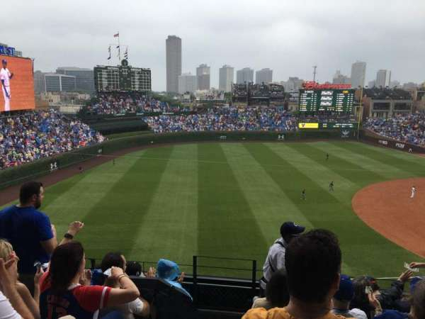 Wrigley Field, section: 407, row: 7, seat: 1