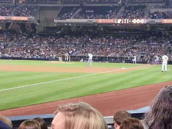 PETCO Park, section: 122, row: 7, seat: 7