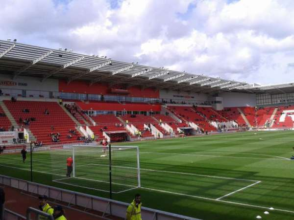 New York Stadium, section: South Stand