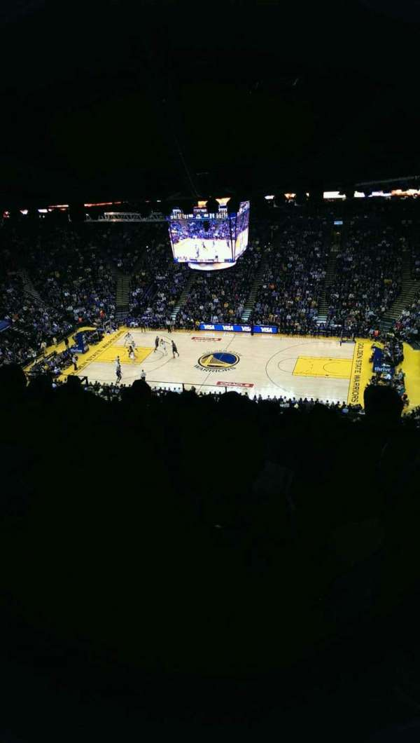 Oakland Arena, section: 215, row: 17, seat: 9
