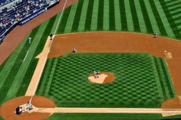 Yankee Stadium, section: 417, row: 11, seat: 6