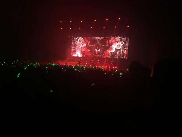 Microsoft Theater, section: Orchestra Center Right, row: W, seat: 211