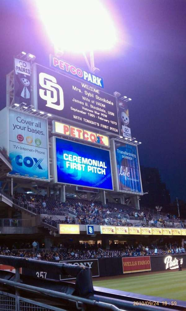PETCO Park, section: 122, row: 7, seat: 12