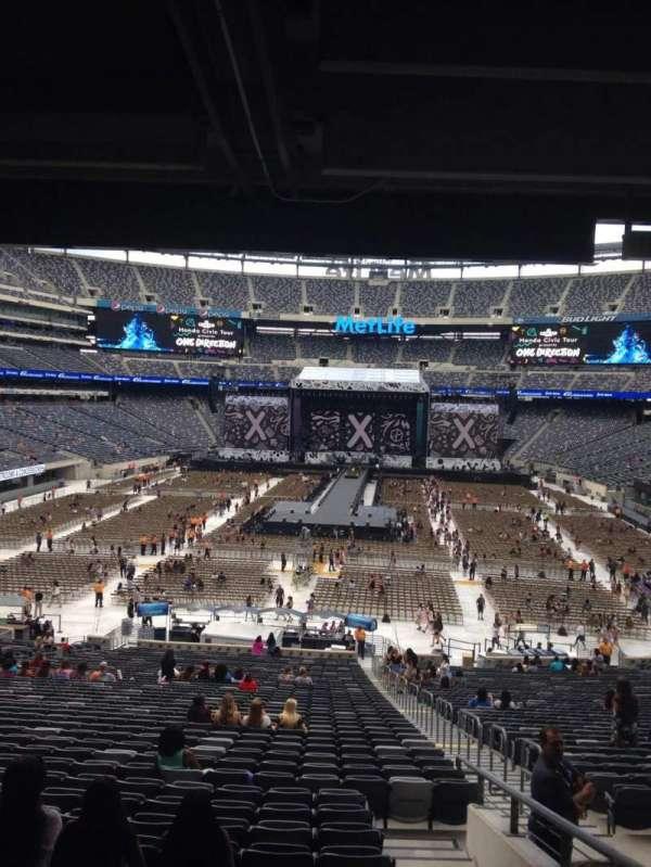 MetLife Stadium, section: 126, row: 45, seat: 4