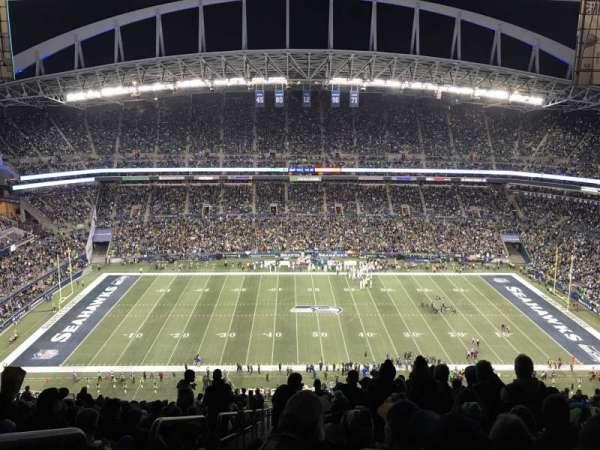 CenturyLink Field, section: 335, row: HH, seat: 27