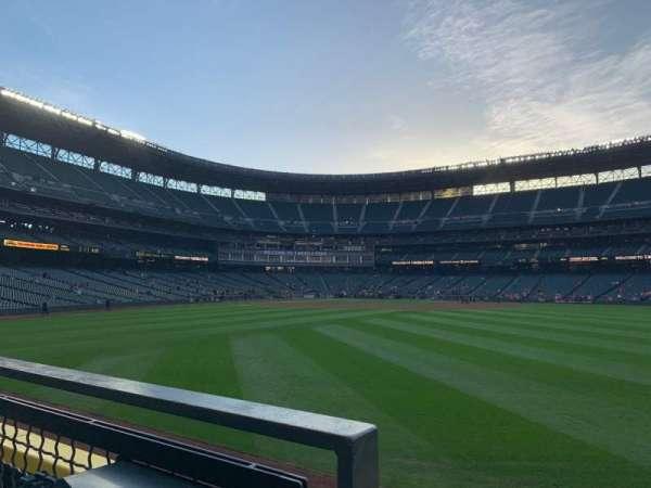 T-Mobile Park, section: 105, row: 23, seat: 4