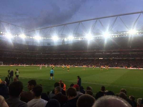 Emirates Stadium, section: Block 31, row: 8, seat: 964
