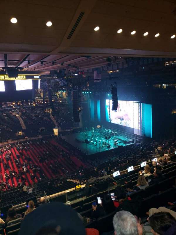 Madison Square Garden, section: 211, row: 10, seat: 1