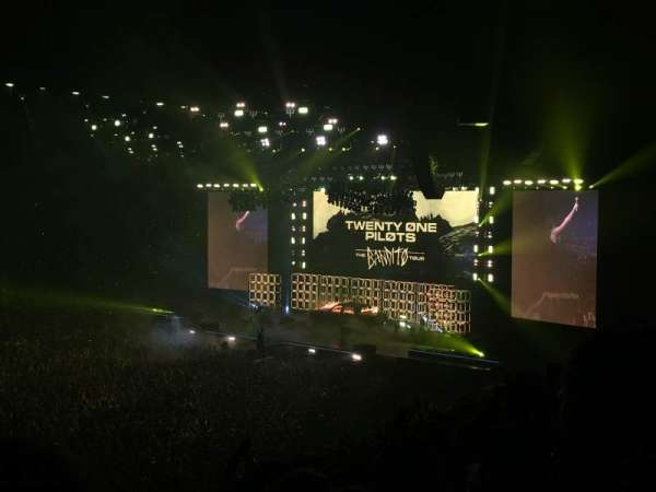 Manchester Arena, section: 113, row: V, seat: 21