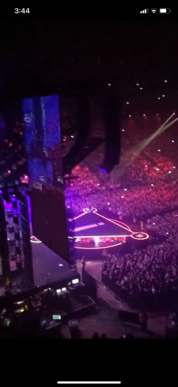 Manchester Arena, section: 222, row: C, seat: 13