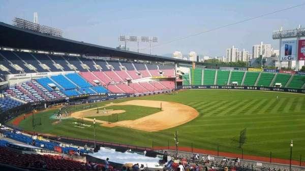 Jamsil Baseball Stadium, section: 305, row: 9, seat: 83