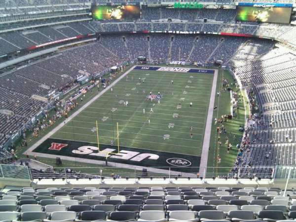 MetLife Stadium, section: 324, row: 16, seat: 13