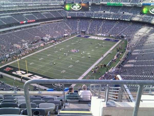MetLife Stadium, section: 322, row: 14, seat: 4