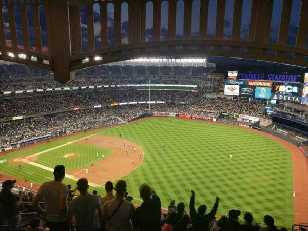 Yankee Stadium, section: 411, row: 14, seat: 14