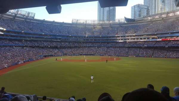 Rogers Centre, section: 105L, row: 9, seat: 101