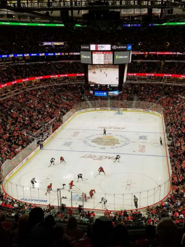 United Center, section: 325, row: 8, seat: 5