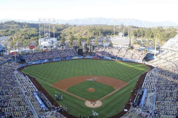 Dodger Stadium, section: 3td, row: e, seat: 17