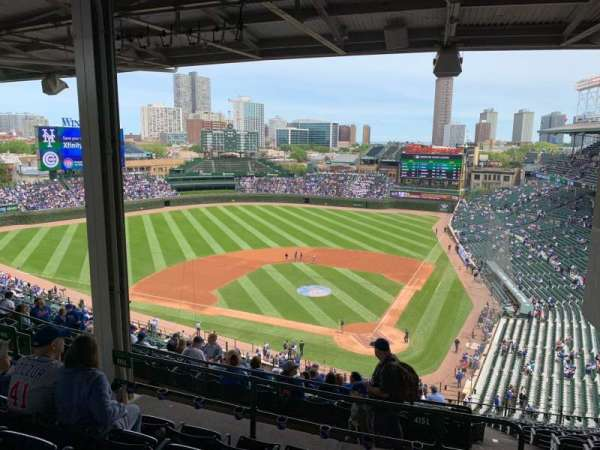 Wrigley Field, section: 415L, row: 6, seat: 9