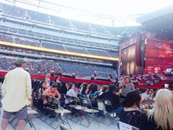 MetLife Stadium, section: Floor 2, row: 25, seat: 26