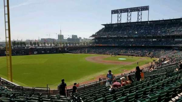 Oracle Park, section: 232, row: j, seat: 17