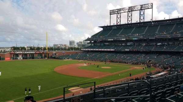 Oracle Park, section: 229, row: E, seat: 4