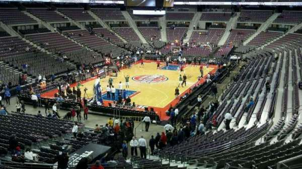 The Palace of Auburn Hills, section: 105, row: r, seat: 014