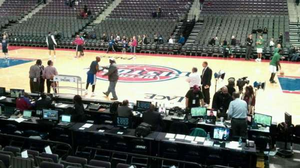 The Palace of Auburn Hills, section: 113, row: b, seat: 008