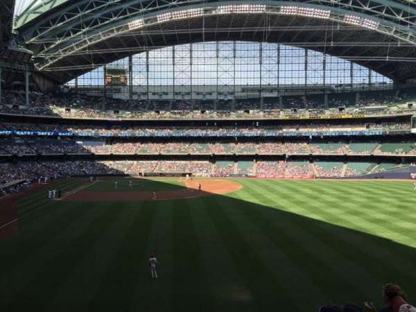 Miller Park, section: 204, row: 6, seat: 19