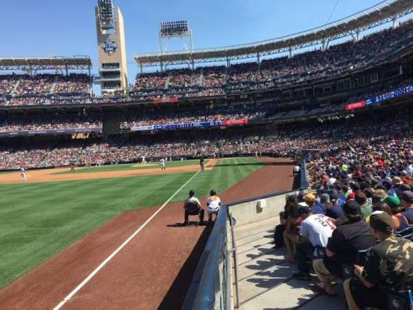 PETCO Park, section: 124, row: 15, seat: 1