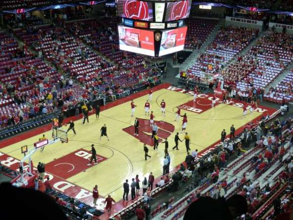 Kohl Center, section: 326, row: G, seat: 10