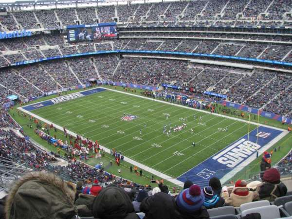 MetLife Stadium, section: 332, row: 15, seat: 10