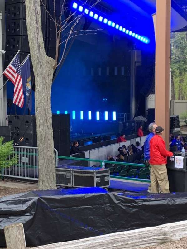 Meadow Brook Amphitheatre, section: Lawn