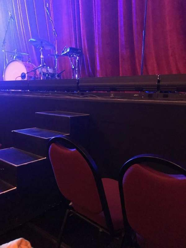 Chicago Theatre, section: Orchestra 4L, row: BBB, seat: 413