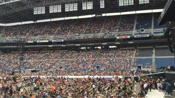 CenturyLink Field, section: 106, row: M, seat: 4
