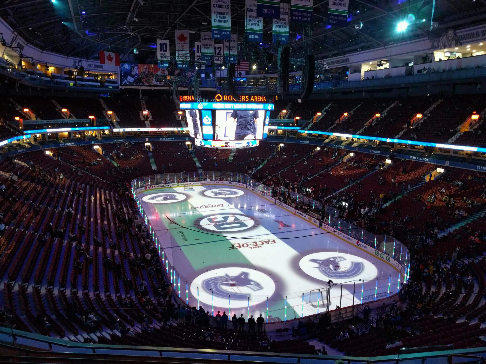Rogers Arena Section 302 Row 9 Seat 106