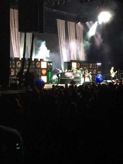 Hollywood Casino Amphitheatre (Tinley Park), section: 105, row: P, seat: 6