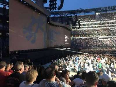 MetLife Stadium, section: 142, row: 9, seat: 6