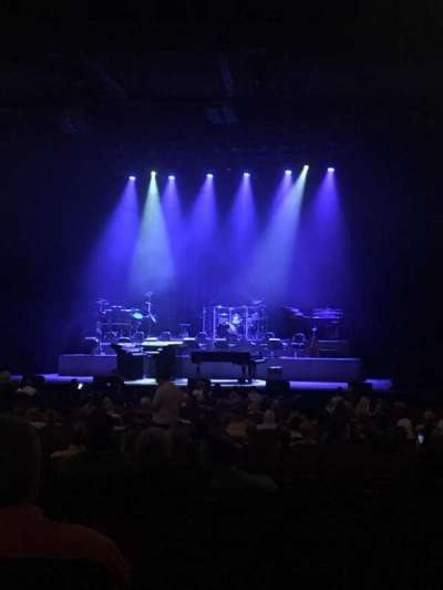 Chicago Theatre, section: Main floor 3R, row: Q, seat: 314