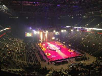 Manchester Arena, section: 207, row: h, seat: 18