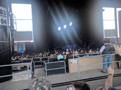 Hollywood Casino Amphitheatre (Tinley Park), section: 205, row: MM, seat: 34