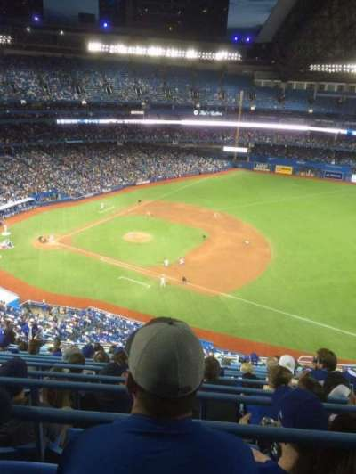 Rogers Centre, section: 515L, row: 17, seat: 110