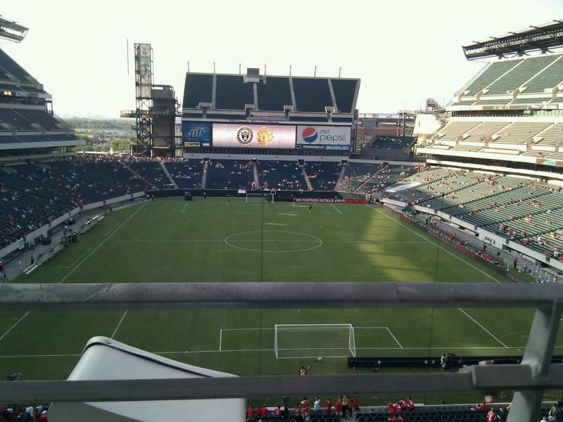 Seating view for Lincoln Financial Field Section M11 Row 1 Seat 33