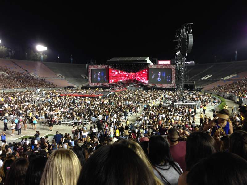 Seating view for Rose Bowl Section 13-H Row 21 Seat 118-119