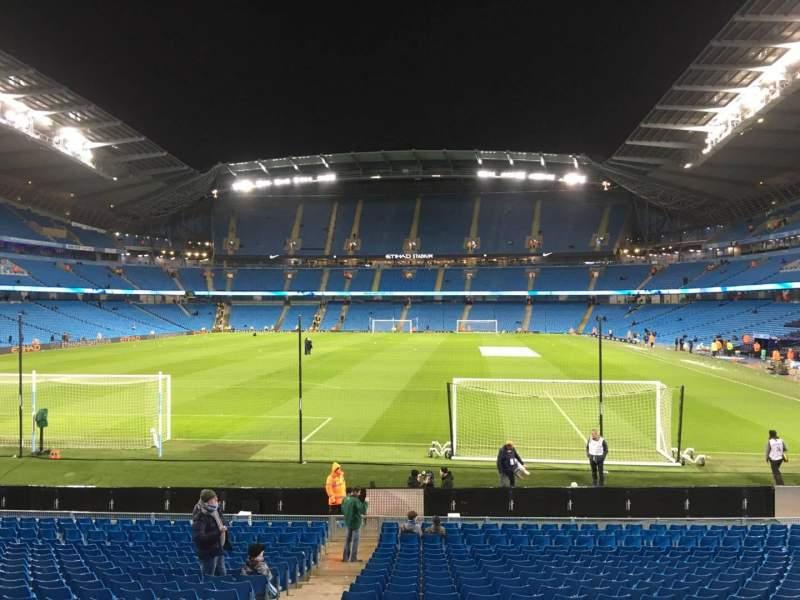 Etihad Stadium (Manchester), section: 136, row: W, seat: 985