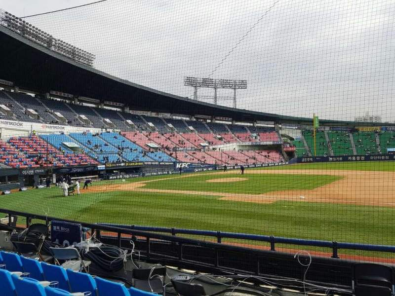 Seating view for Jamsil Baseball Stadium Section 107 Row 5 Seat 73