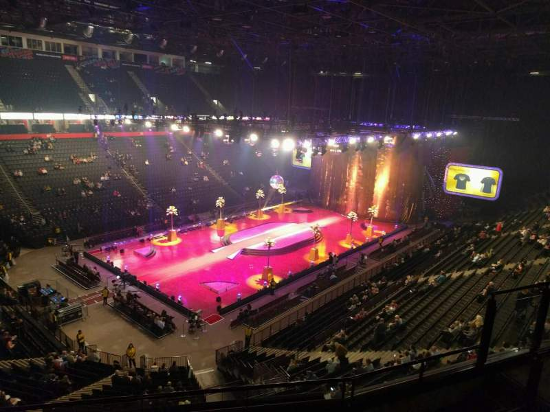 Manchester Arena, section: 211, row: e, seat: 13