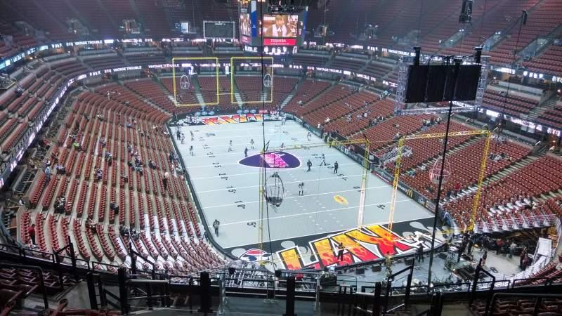 Honda Center, section: 425, row: M, seat: 8