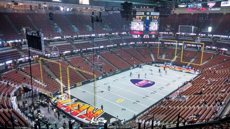 Honda Center, section: 419, row: M, seat: 8