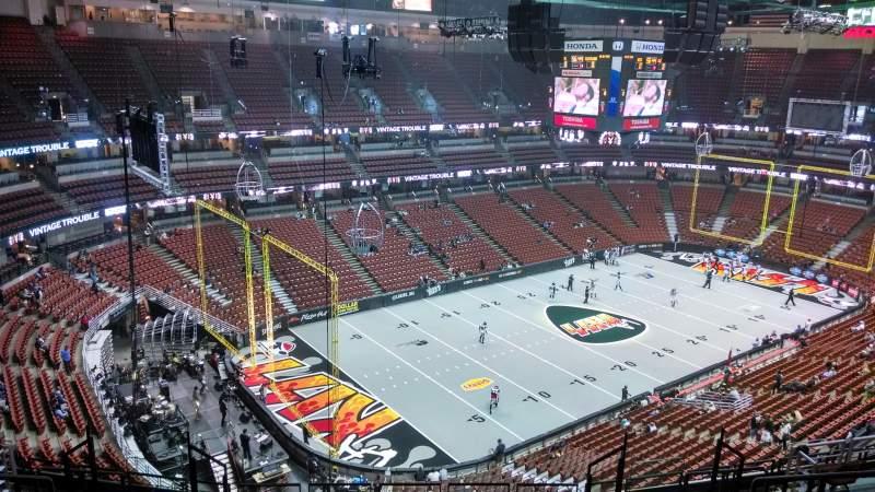 Honda Center, section: 418, row: M, seat: 8