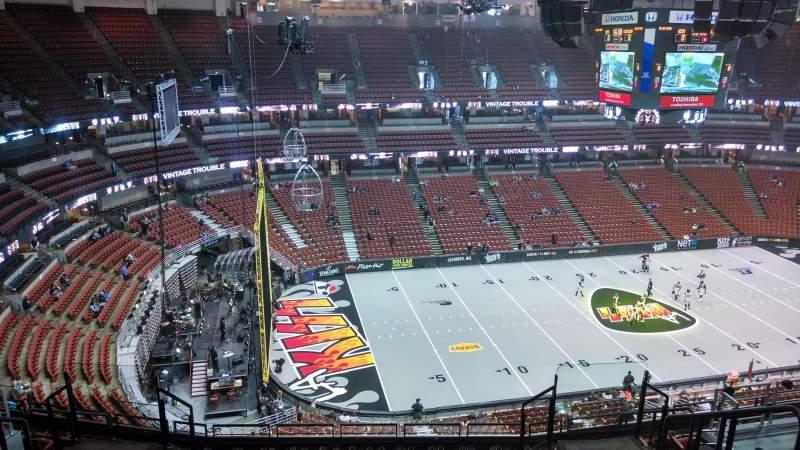 Honda Center, section: 416, row: M, seat: 8